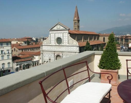 Cimasa di terrazza in pietra serena, by Frosini Pietre