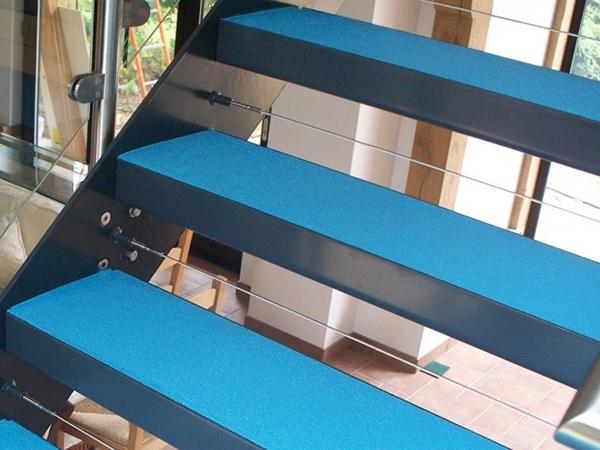 Scala con rivestimento in resina Step Rise di SureSet