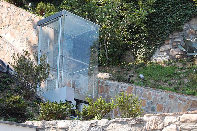 Ascensore inclinato in una villa privata, by Maspero Elevatori