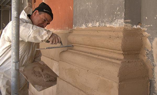 Risarcitura di una lesena con malta di calce idraulica naturale, by Calchera San Giorgio