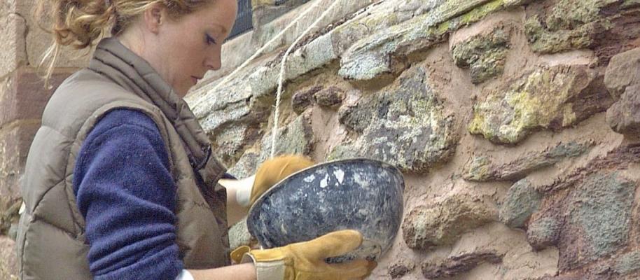 Ristilatura dei giunti della muratura con malta di calce idraulica naturale, by La Banca della Calce