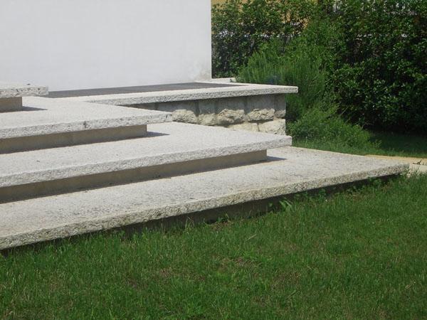 Scale esterne in pietra della Lessinia - Guardini
