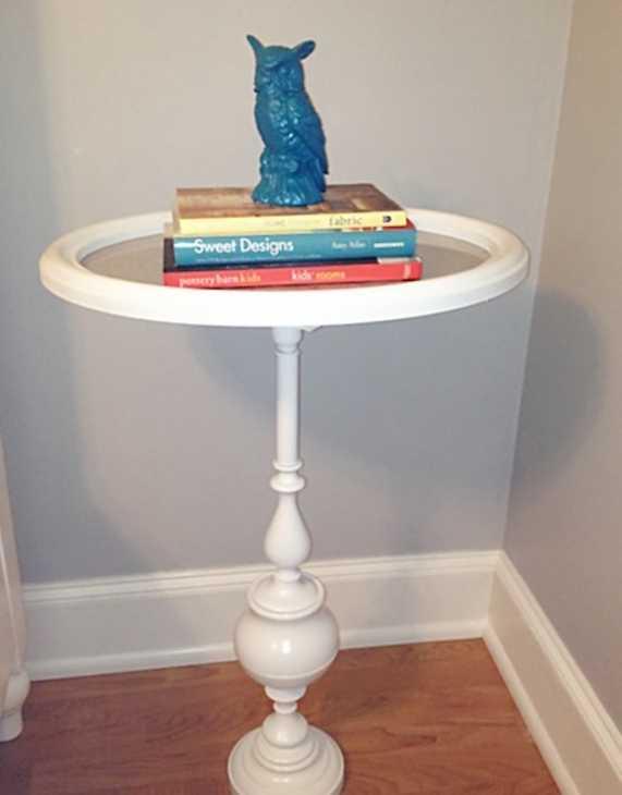 Tavolino con vecchia cornice, da betterafter.net