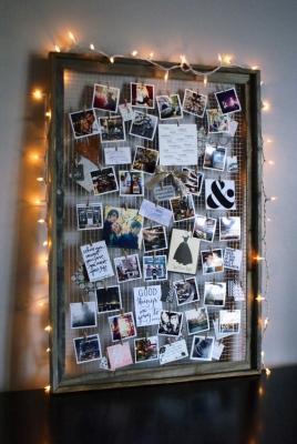 Bacheca fai da te per appendere foto e cartoline, da theanastasiaco.com