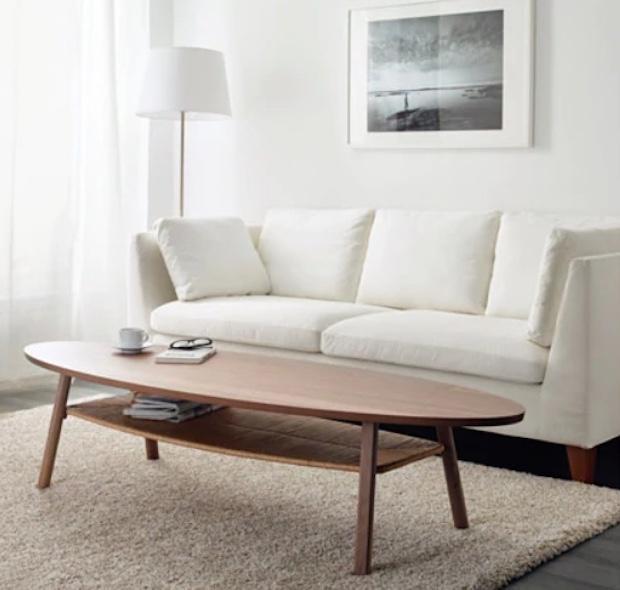 Tavolino basso con ripiano, da Ikea