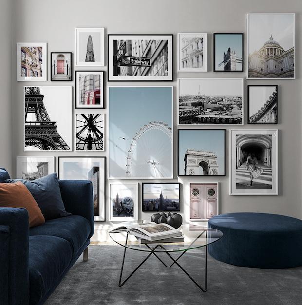 Non abbiate il timore di riempire un intera parete con i quadri moderni, da desenio.it