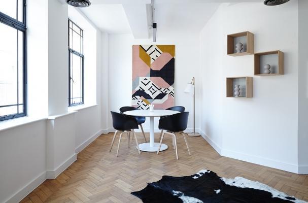 Quadri moderni per arredare casa con stile