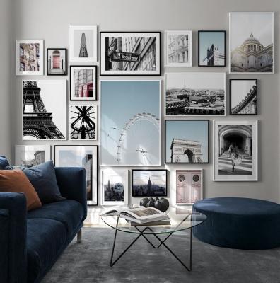 Non abbiate paura di abbondare con i quadri, da desenio.it