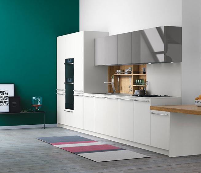 Soggiorno open space: cucina lineare Doimo