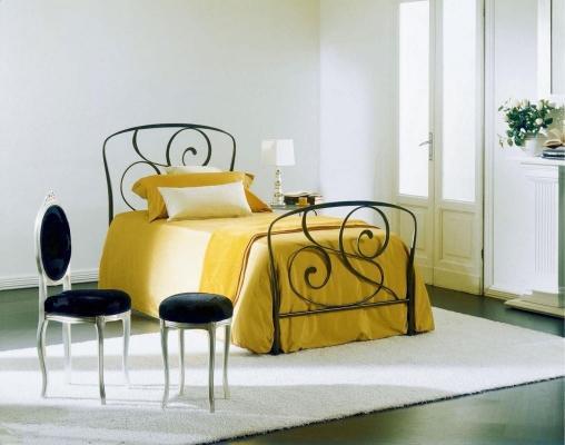 Camer da letto in ferro battuto letto Genziana di Bontempi