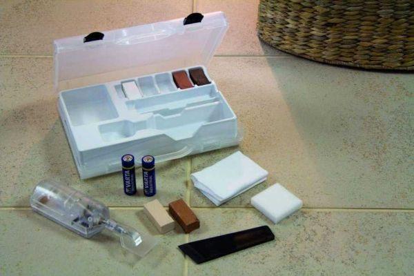 Lavoretti fai da te in casa: riparazione piastrelle scheggiate