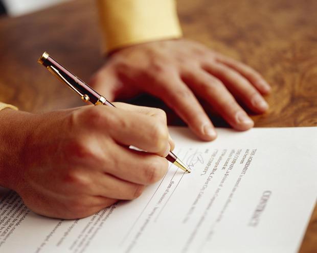 Sottoscrizione di contratto