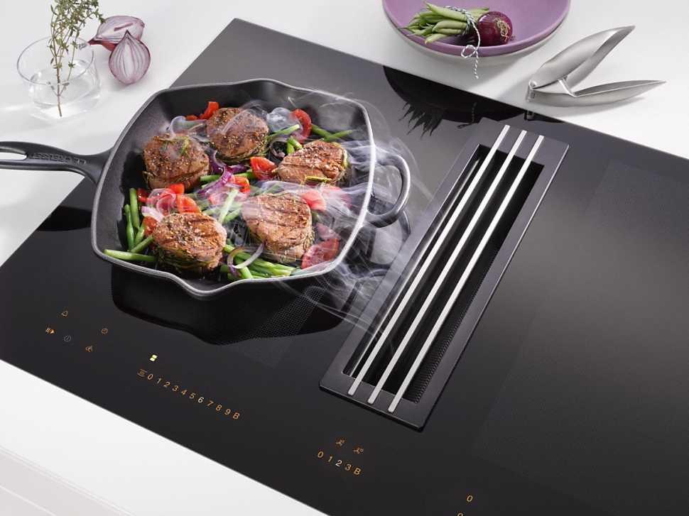 Cucina a vista con piano cottura Miele KMDA 7774