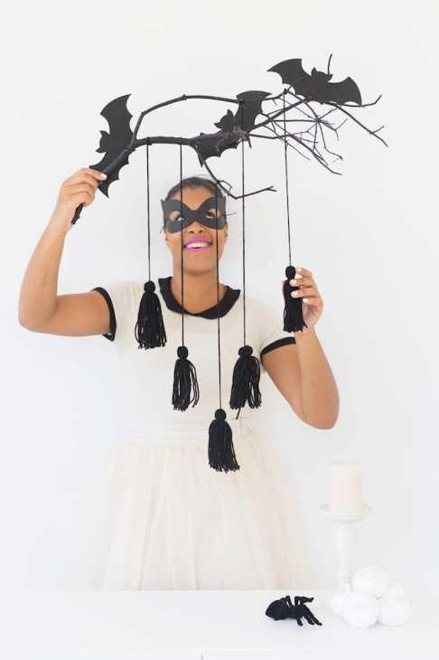 Ramo con pipistrelli per Halloween, da damasklove.com