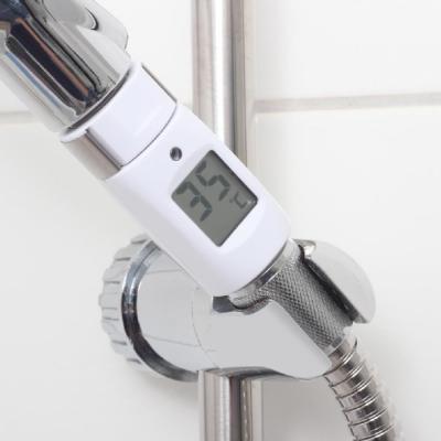 Fare la doccia controllando i consumi con termometro doccia Reer
