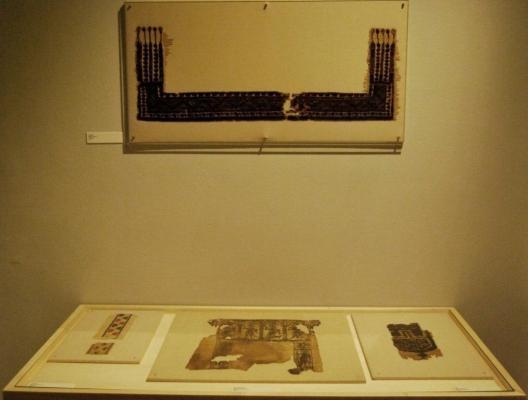 Tessuti antichi protetti da vetri antiriflesso Museum Glass by Vetroservice