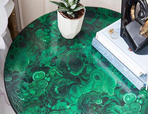 Decorare mobili con la carta: effetto malachite, da onekingslane.com