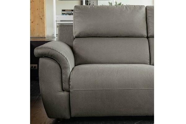 Dettagllio del divano Rasetti Poltronesofà