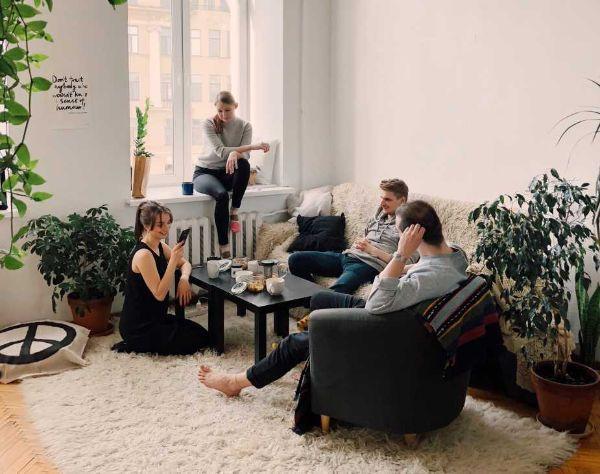 Il soggiorno è il nostro modo di relazionarci con gli altri