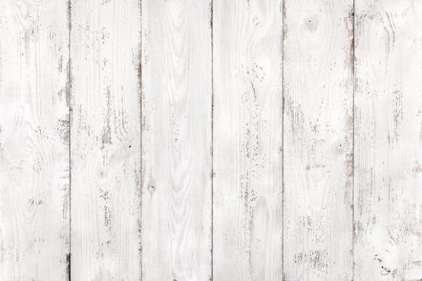 posa delle perline in legno