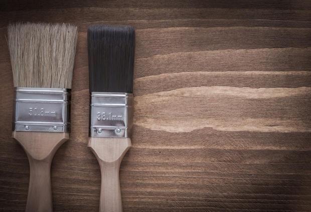 Pitturare i muri con i giusti pennelli