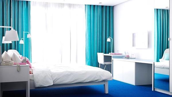 Arredare casa con i colori soluzioni originali - Tende ikea camera da letto ...