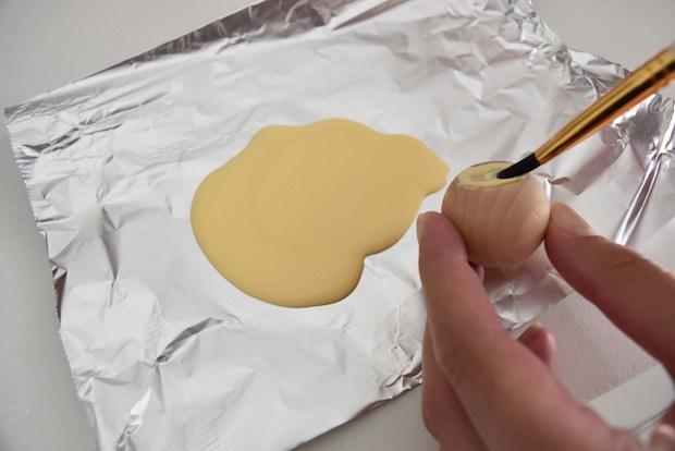 Come decorare la cassettiera Ikea Malm con i pomelli, da mydearirene.com