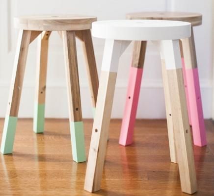 Sgabelli Ikea dipinti a mano, da stylemepretty.com