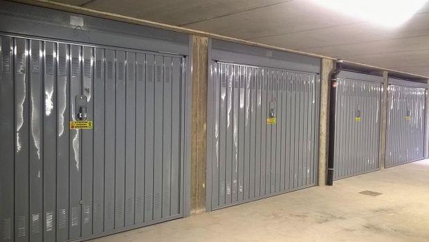 Porte garage condominiali: quali adeguamenti fare