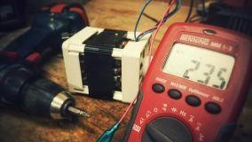 Monitorare i consumi elettrici per risparmiare in bolletta
