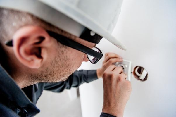 Strumento per misurare la potenza di una corrente elettrica