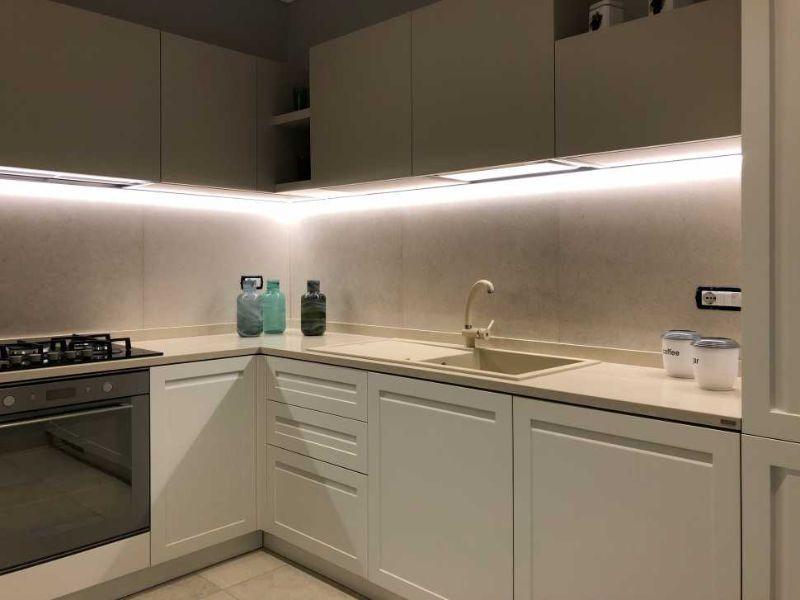 Disposizione delle luci in cucina dopo il restyling