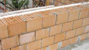 Realizzare una muratura con blocchi portanti