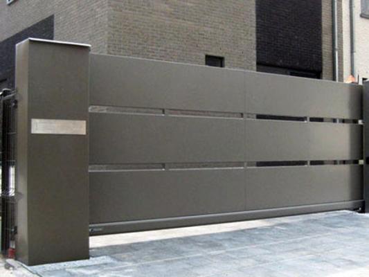 Cancelli scorrevoli innovativi for Cancello scorrevole moderno