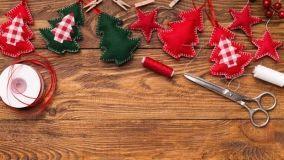 Decorazioni fai da te per l'albero di Natale: 10 idee creative