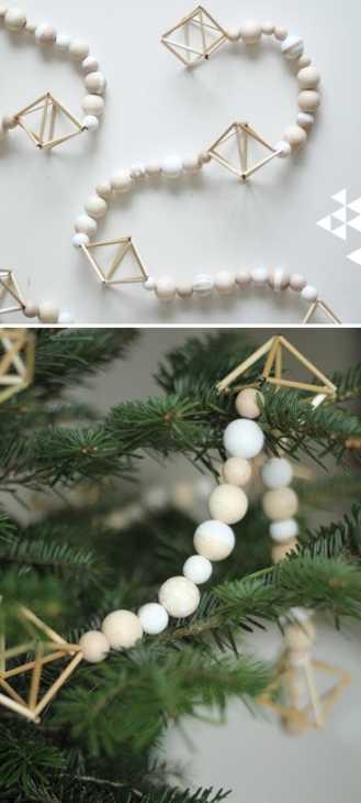 Ghirlanda natalizia in legno, da pinjacolada.com