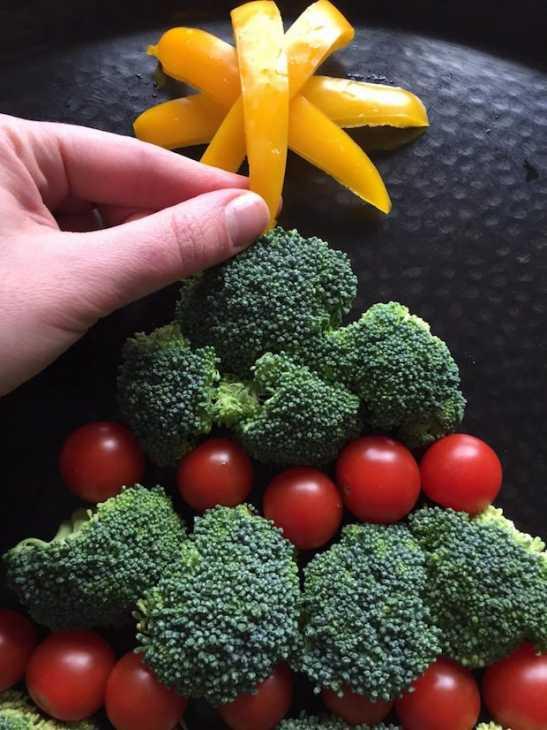 Albero di Natale con verdure commestibili, da melaniecooks.com
