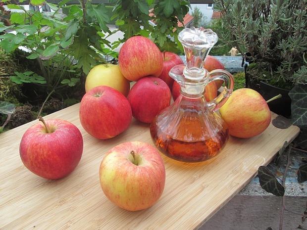 Aceto di mele per rimuovere i cattivi odori delle tubature