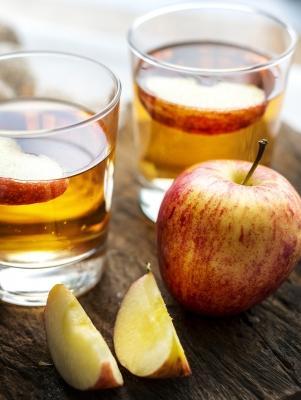 Rimedi naturali per eliminare i cattiivi odori degli scarichi: aceto di mele