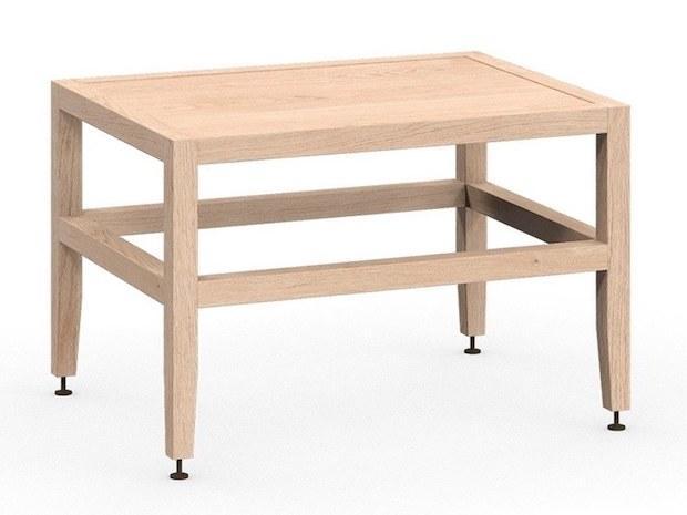 Tavolino in legno grezzo dal design semplice, da Coquo