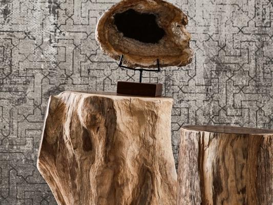 Tavolini in legno grezzo in tronchi d'albero, da Il Giardino del Legno