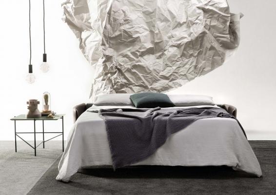 Divano letto con piedini alti Marky: profondità letto aperto 200 cm