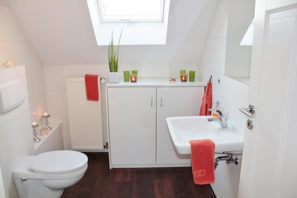 Progettare un bagno funzionale sfruttando ogni angolo