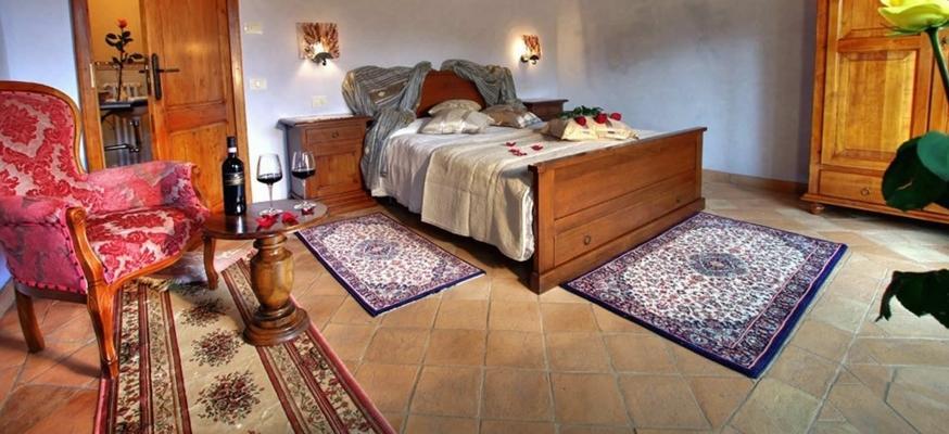 Pavimento in piastrelle quadrate 20 x 20 di cotto tradizionale grezzo di Cotto Stefani