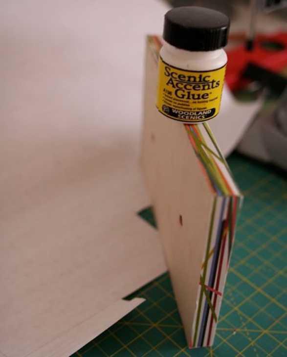 Appendiabiti con vecchi cassetti: idee riciclo fai da te, da designsponge.com
