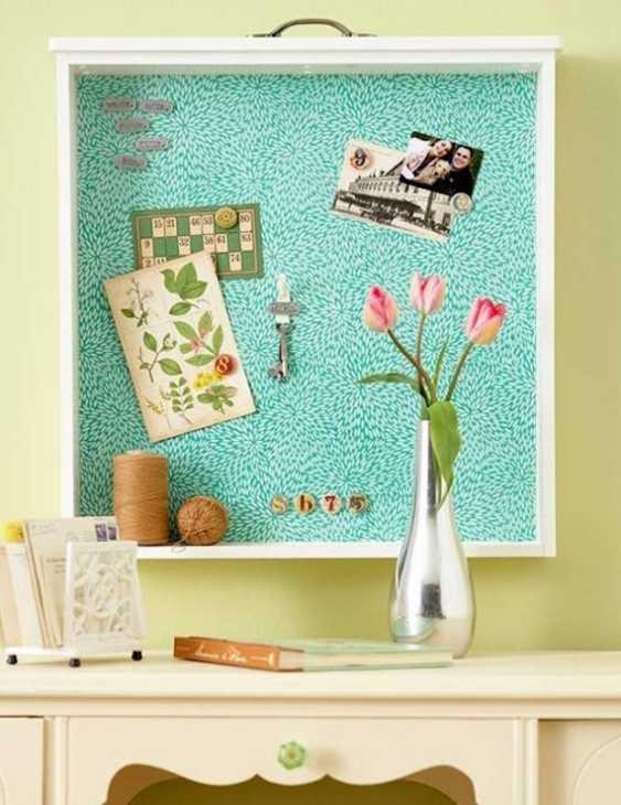 Bacheca magnetica realizzata con un vecchio cassetto, da dumpaday.com