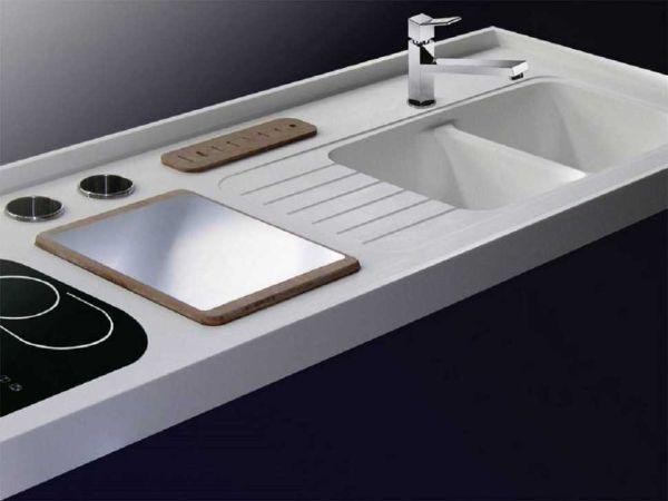 Lavello e piano cucina in Corian Dupont