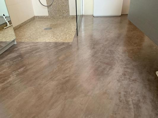 Pavimento in resina spatolata kromax