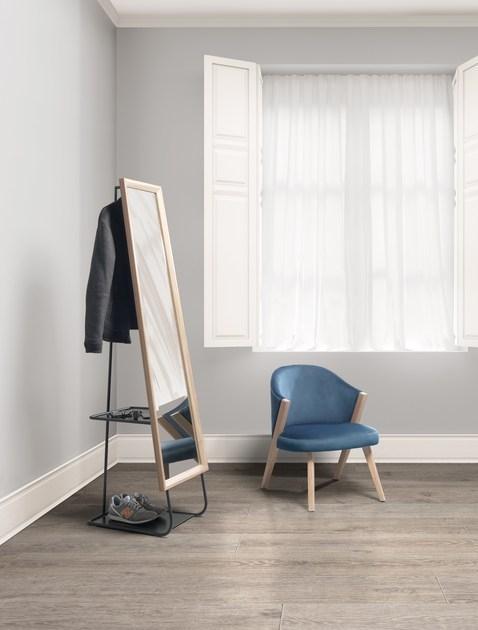 Foto - Appendiabiti con specchio per l\'ingresso