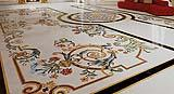 Pavimento in opus sectile con decorazioni floreali di Budri